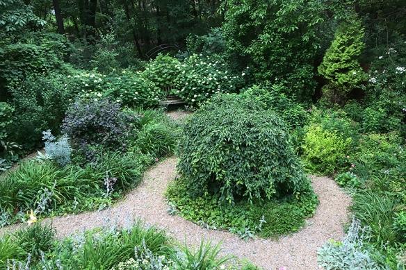 June garden circles