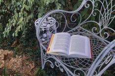 bookchair2